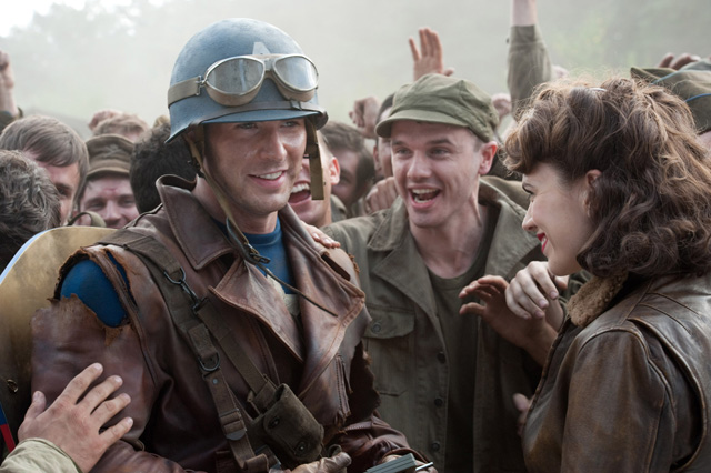 Still of Chris Evans and Hayley Atwell in Captain America: The First Avenger