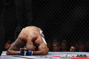 Jorge Rivera illegal knee