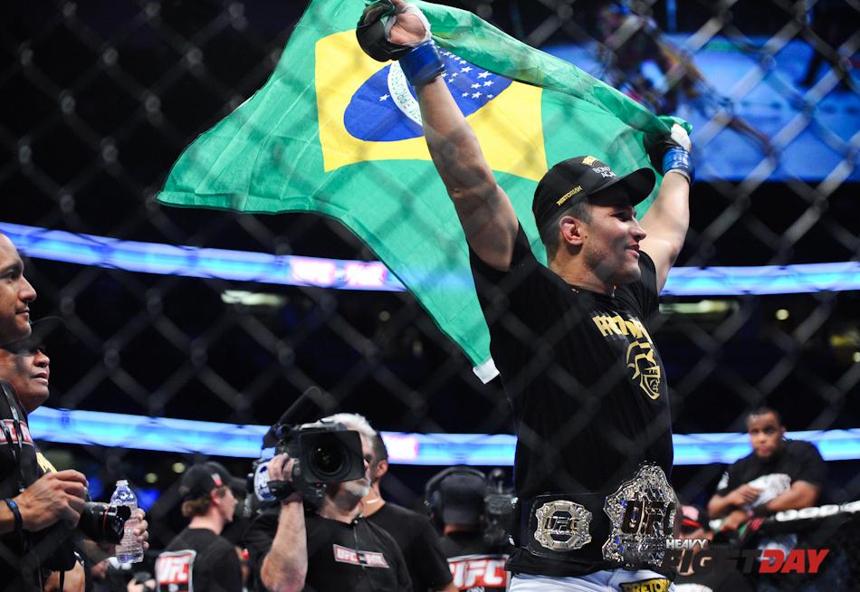 UFC on FOX Dos Santos Vs. Velasquez-13