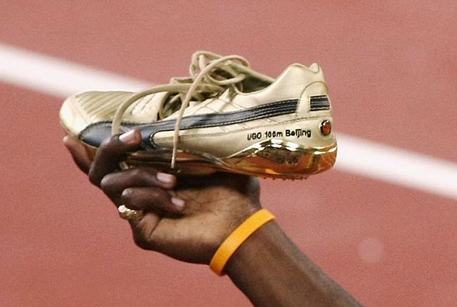 Usain Bolt Shoelaces Untied