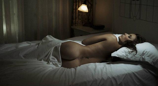 SNEAK PEEK: Eva Longoria Asleep At the Château
