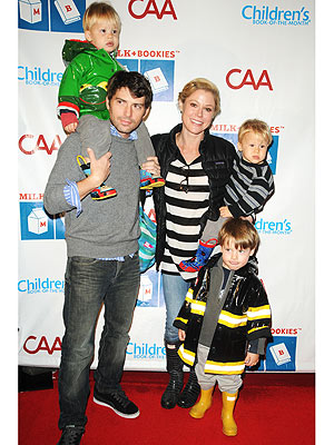 Julie Bowen with her family