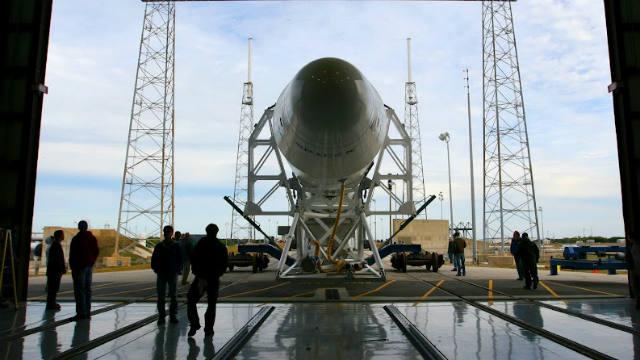 SpaceX, Falcon 9, Commercial Space Cargo, NASA