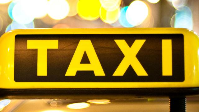 Chicago Taxi Companies Sue Uber