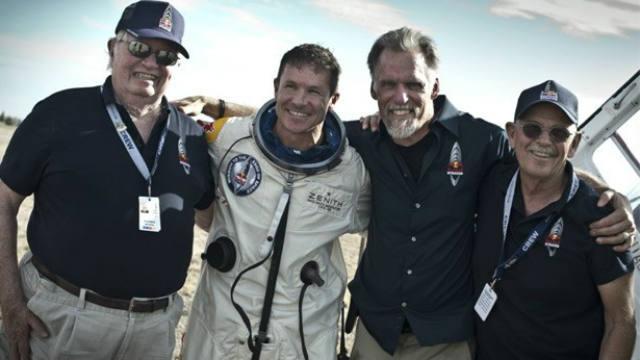 Felix Baumgartner, Free-Falling, Red Bull,