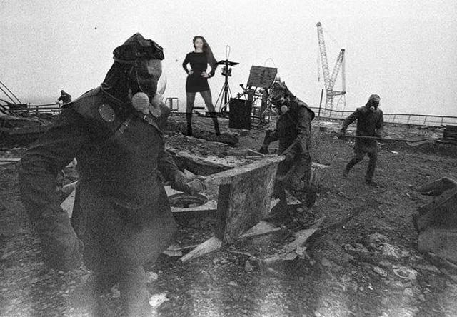 nana gouvea hurricane sandy photos shoot meme chernobyl