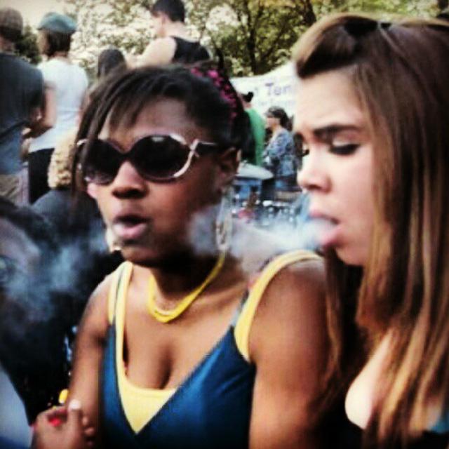 girls smoking pot, seattle, washington, weed legal