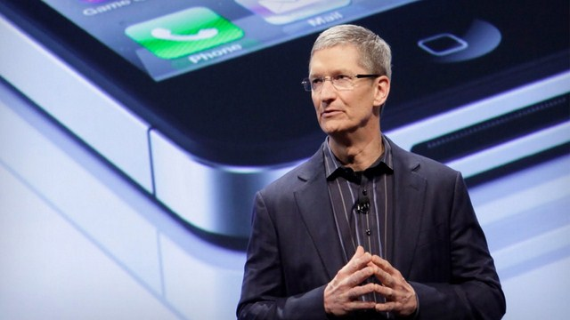 apple CEO tim cook chinese woman shocked