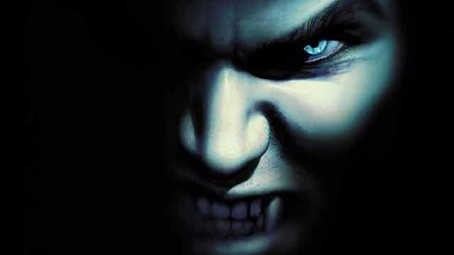 Gothic-Vampire-opti