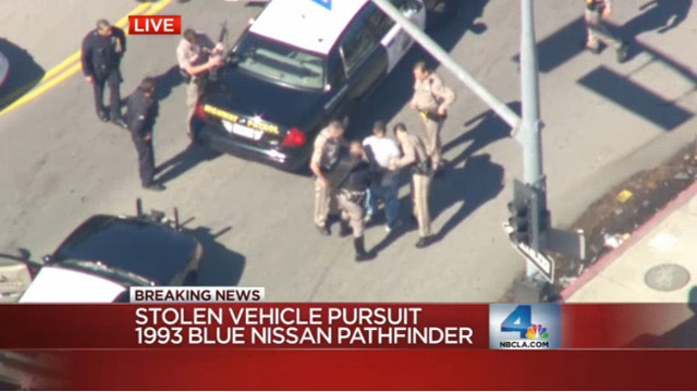 Highway Pursuit on Southern California Freeway Freeway chase Ends in West LA 1993 Nissan blue pathfinder