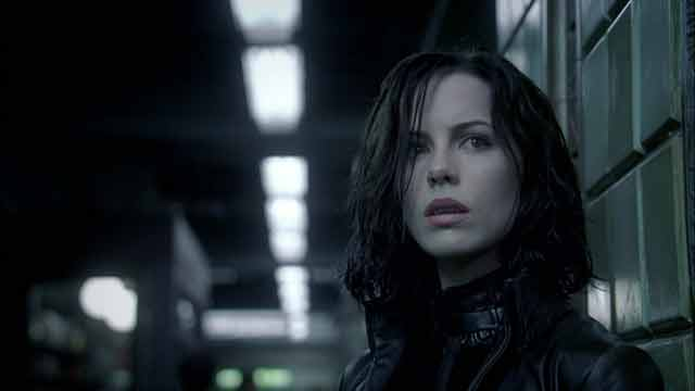 Underworld-2003-kate-beckinsale-5346840-1934-1080-OPTI