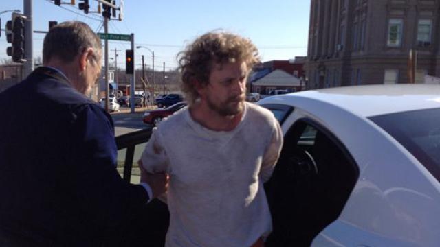 Kade Reaves Stringfellow being re-captured, Missouri inmates.