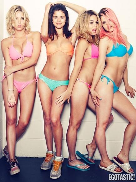 Selena Gomez, Vanessa Hudgens, Ashley Benson, Rachel Korine - Spring Breakers