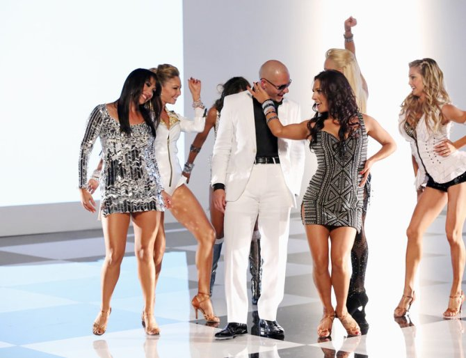Pitbull, Sharna Burgess, DWTS