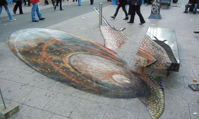 Giant Snail Illusion Art