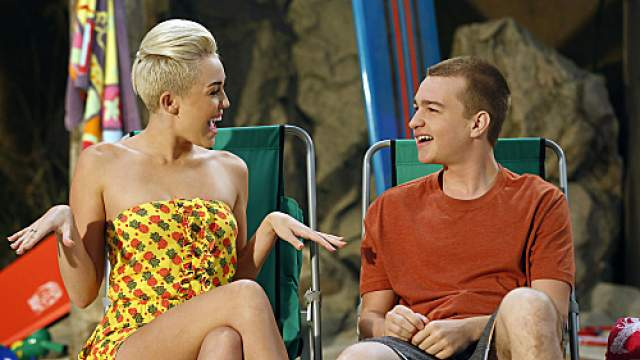 Angust T. JoneS Two and a Half Men, Two and a Half Men, Miley Cyrus
