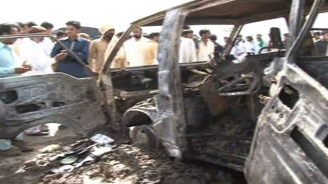 16 Children Die in Pakistan Bus Fire, Pakistan