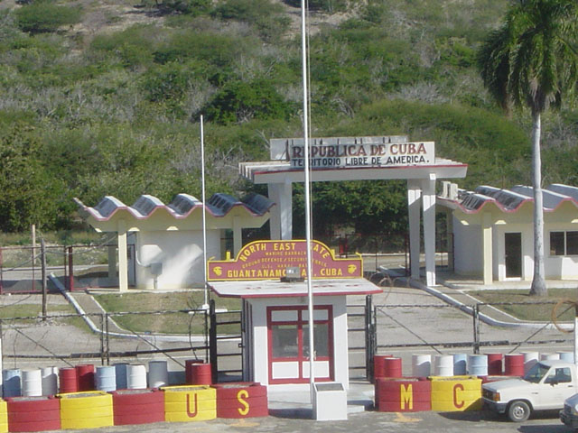 North_east_gate,_Guantanamo_Bay,_Cuba