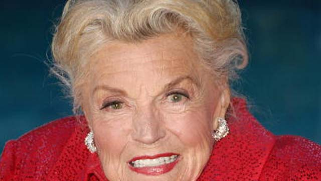 Esther Williams Dies
