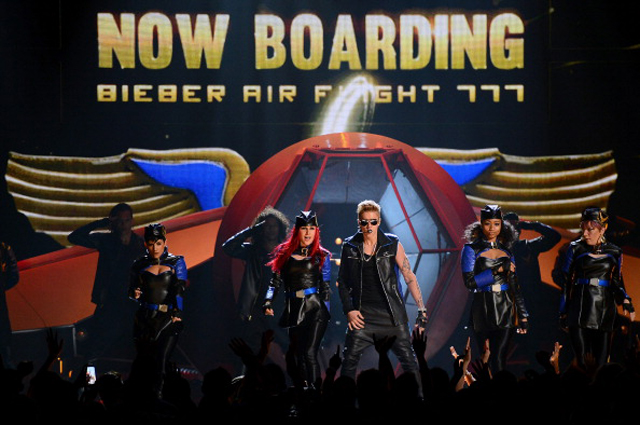 Billboard Music, Justin Bieber, Justin Bieber Space, Justin Bieber Flight