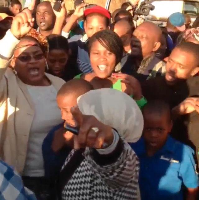 Nelson Mandela hospital crowd