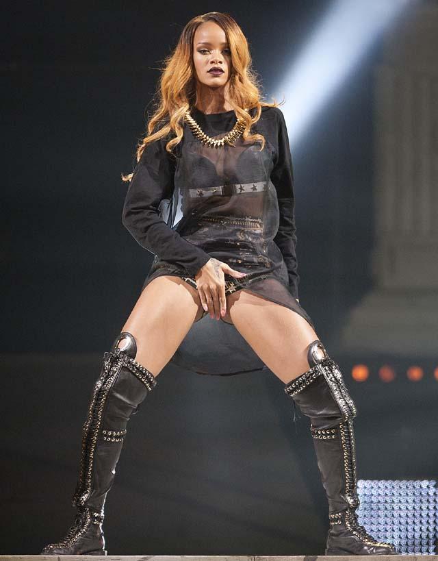 Rihanna, Rihanna Crotch, Rihanna Sexy