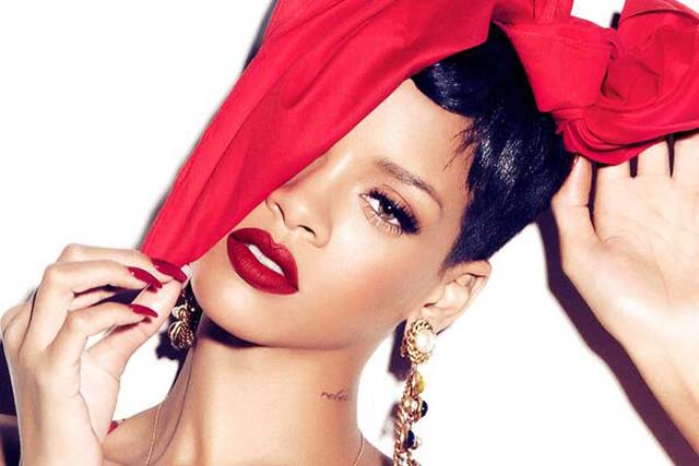 Rihanna Rant, Rihanna Instagram, Rihanna Twitter, Liz Jones, Rihanna, Daily Mail, Mac