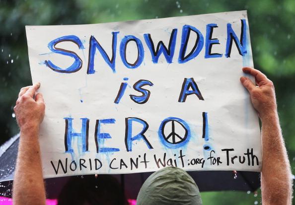Lindsay Mills, Edward Snowden Girlfriend, NSA whistleblower.