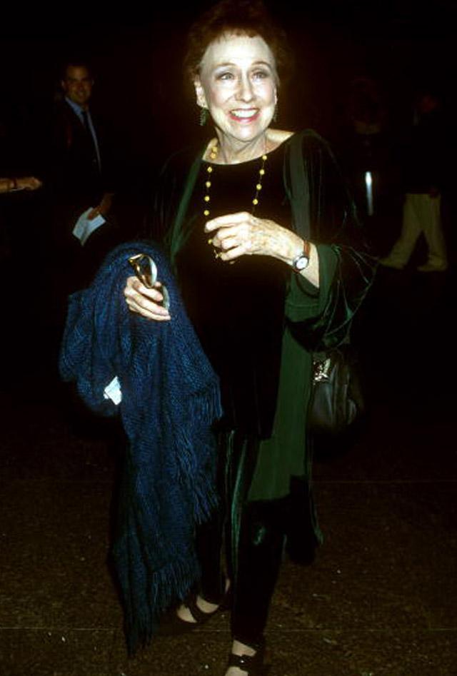 Jean Stapleton Dies, Edit Bunker, All in the Family star dies.