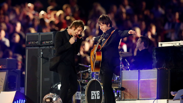 Liam Gallagher and Gem Archer of Beady Eye perform during the Closing Ceremony of the London 2012 Olympic Games (Getty Images)