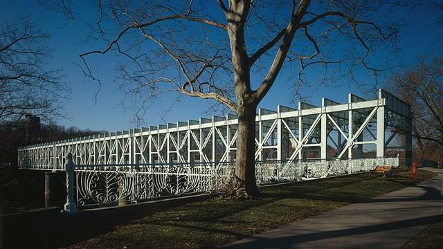 falls bridge, Philadelphia