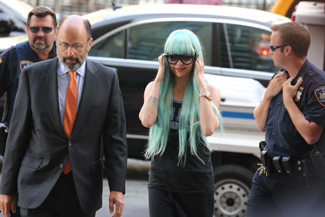 Amanda Bynes, Blue Wig, Hair, Court Room, Hearing, Court, Arrest, Police, Manhattan, NY, Criminal Court, Trial, Marijuana, Bong