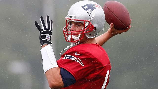 Tom Brady Injury Patriots Video Pre-Season Scrimmage Pocket Quarter Back Snap Knee 2008