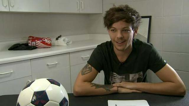 Louis Tomlinson, Boy Band, One Direction, English Soccer Team, Joins Soccer Team, Signs On To Soccer Team, Doncaster Rovers, Number 28, Charity Match, Charity, Bluebell Wood, Soccer Player, Pro, Professional
