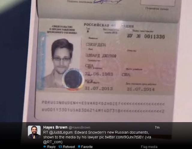 Anatoly Kucherena, Russia, Moscow Airport, Documents, Petition, Leaves Moscow, Edward Snowden, Snowden, Sarah Harrison, WikiLeaks