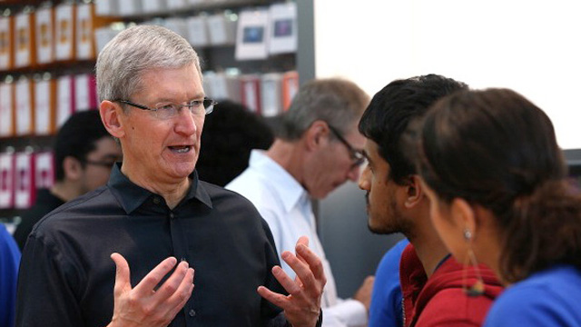tim-cook-iphone-5s-iphone-5c-launch