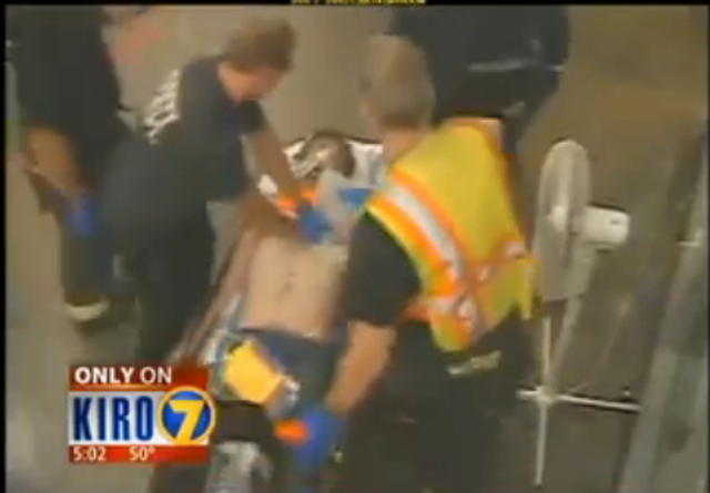 Saffioti being rushed to the hospital just around 35 minutes after eating and being ignored by guards. (Via KIRO7)