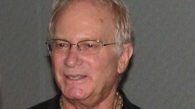 Syd Field Dead Death Dies Died RIP American Screenwriter Dies American Screenwriting Teacher