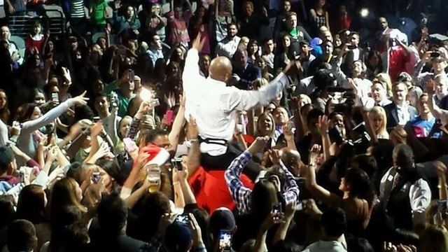 Flo Rida Paul Walker Tribute, Flo Rida Tribute Paul Walker, Flo Rida Jingle Ball Performance Video, Flo Rida Jingle Ball Concert