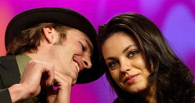 Mila Kunis, Ashton Kutcher, Ashton Kutcher Mila Kunis kissing