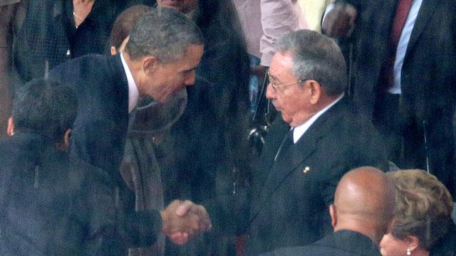 barack obama raul castro shake hands