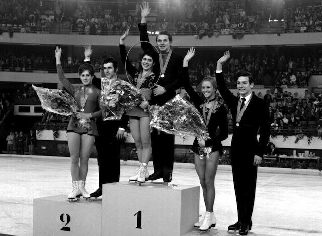Rodnina (circled) at world champions in 1971.  (Getty)