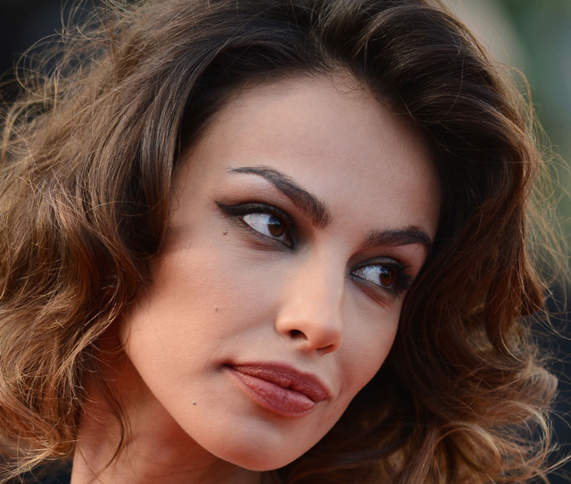 fassbender oscars, 12 years a slave actor, 12 years a slave nominated, best supporting actress, madaline ghenea, fassbender dating, fassbender girlfriend, fassbender oscaes 2014, fassbender oscar date