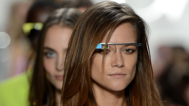 google glass review, google glass hands on, google glass explorer review, google glass etiquette, google glass users, google glass experiences