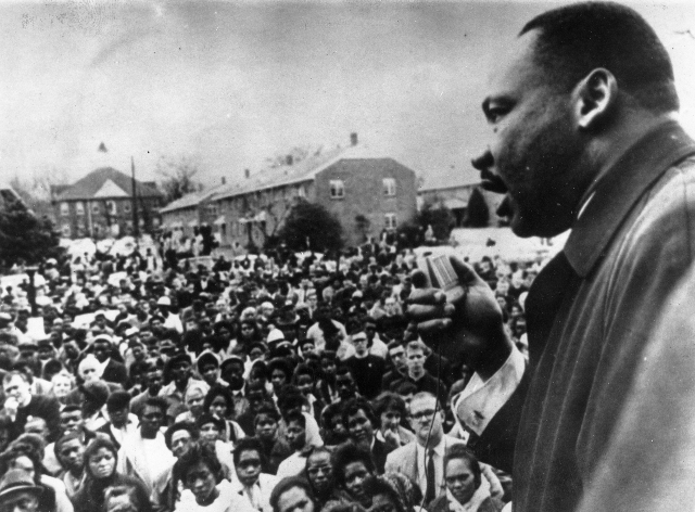 martin luther king jr photos, mlk day pictures, dr king photos, civil rights march photos