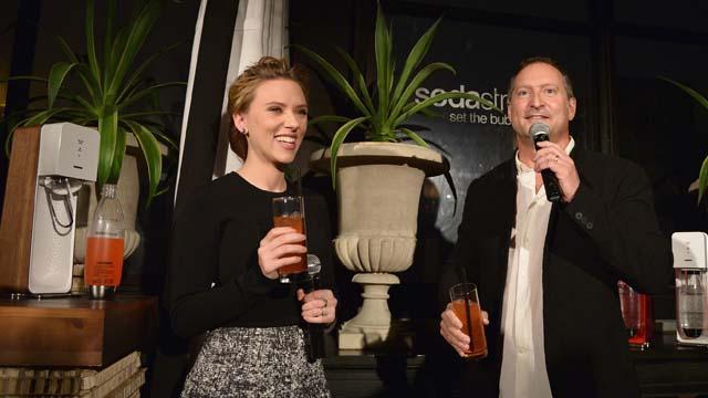 Scarlett Johansson Pregnant Sodastream