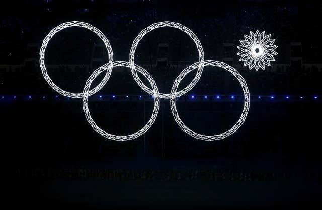 Snowflake fail at Sochi Olympics Opening Ceremony