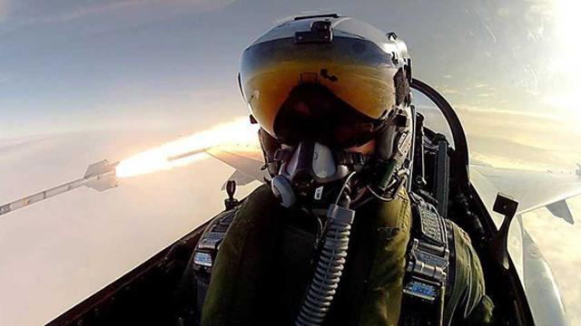 danish fighter pilot selfie