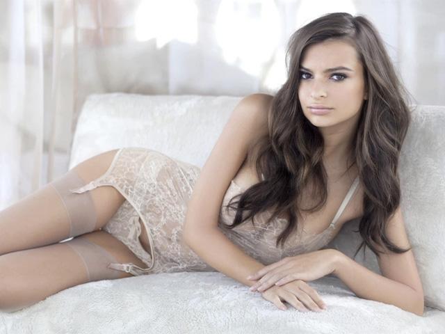 Emily Ratajkowski Naked Princess Lingerie