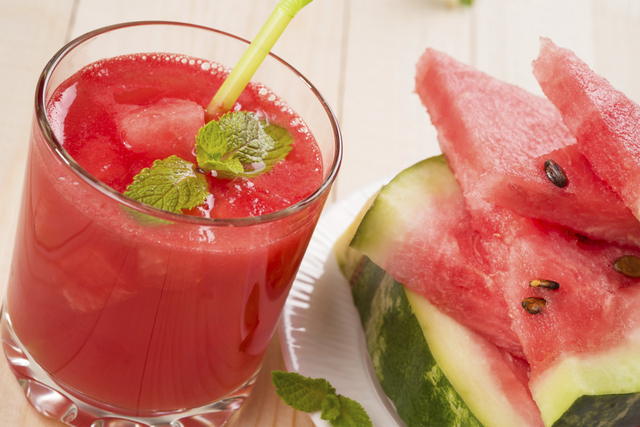watermelon detox juice with mint